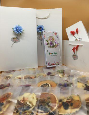 hộp trà hoa trái cây sấy khô hỗn hợp