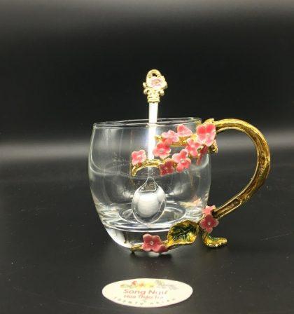 cốc thủy tinh enamel hoa mai đỏ dáng thấp